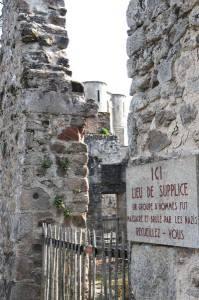 village-martyr-oradour-sur-glane-lieu-de-supplice-clocher-z2