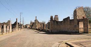 village-martyr-oradour-sur-glane-rue-principale-bascule-z1